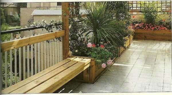 Panchina e fioriere giardino fai da te costruire da soli for Fioriere fai da te