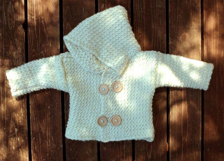Weiß handgestrickte Babyjacke,Kapuzenjacke van lolkawear op DaWanda.com