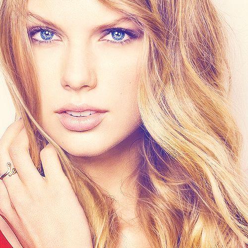 Taylor Swift.... So pretty!