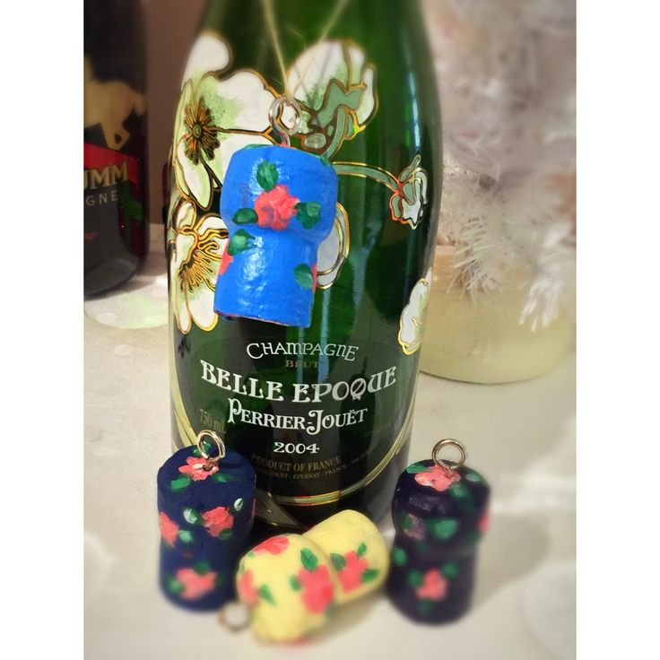 Champagne cork bottle deco great as key Rings or bag charms.