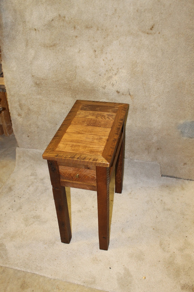 Sale 25% OFF Recycled Pallet Side Table.  Pallet projects  Pinterest