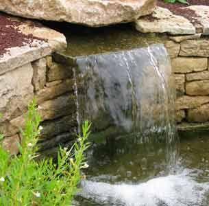 Cascade, bassins en débordement... plein d'idées de réalisations aquatiques