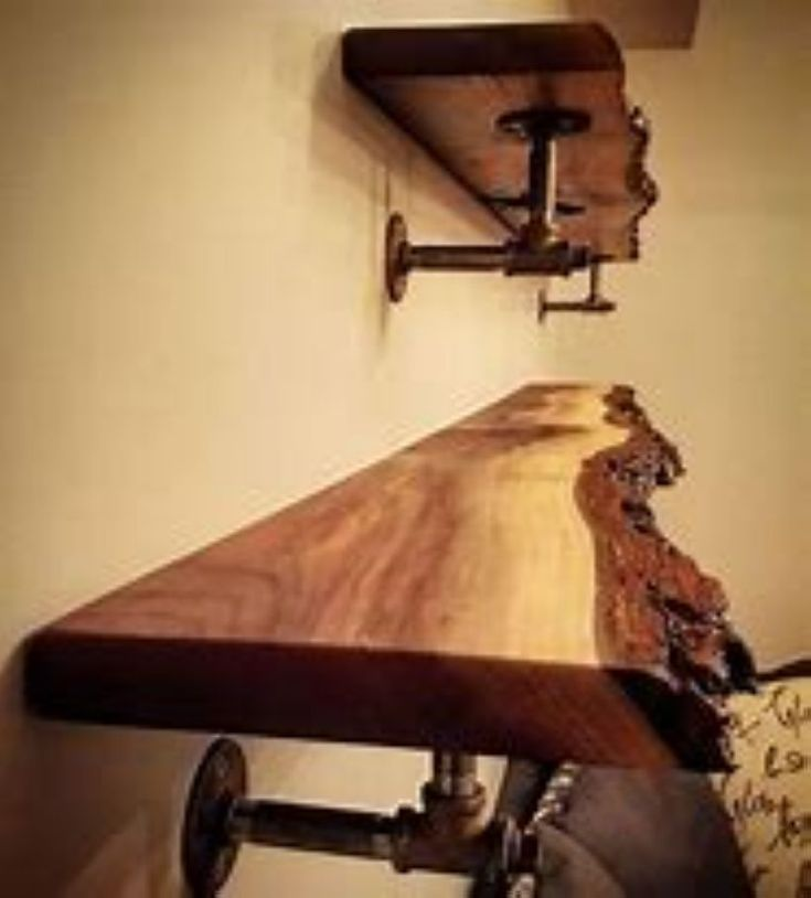 36 Incredible Reclaimed Wood Wall Shelves Ideas For Your Kitchen