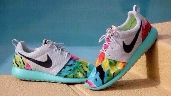 Nike Roshe Run Tropical