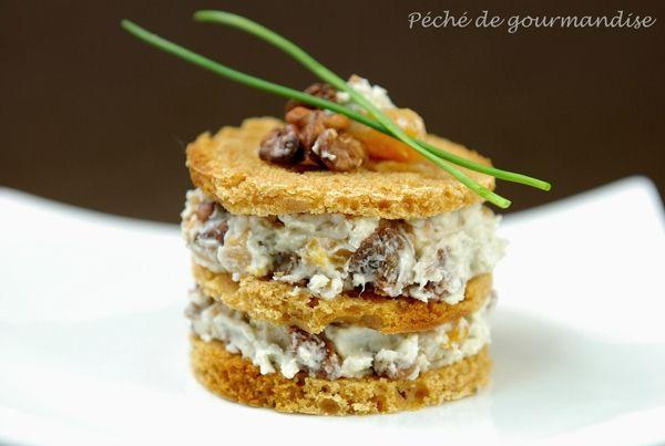 Millefeuille de Roquefort et fruits secs au pain d'épices