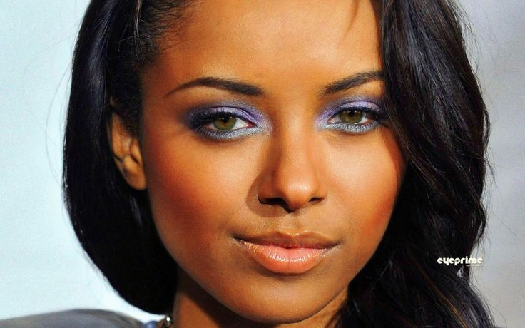 Actress Katerina Graham Has Dark Green Eyes Blue Eyed