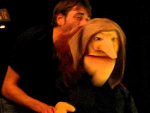 ▶ extrait vidéo du spectacle de marionnette Datura la sorcière chanson finale - YouTube