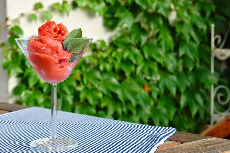 Granita z jahod a rebarbory | Ze zahrady do kuchyně