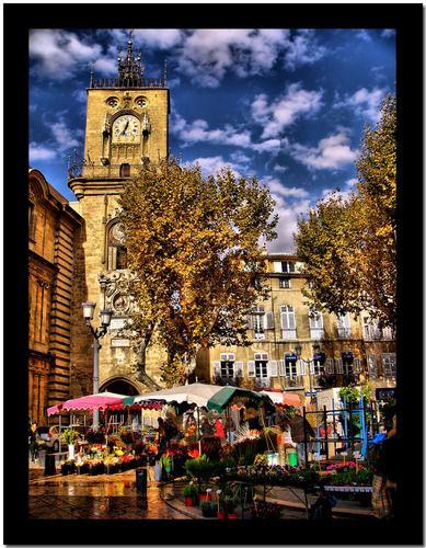 Aix en Provence, le marché aux fleurs place de l'hotel de ville