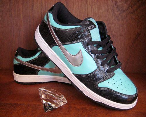 Diamond Supply Co. x Nike SB Tiffany Dunk Design Contest