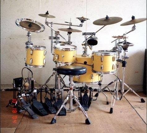 1145 best images about drummers drum kits on pinterest tommy lee peter criss and pearl drums. Black Bedroom Furniture Sets. Home Design Ideas