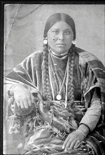 手机壳定制trainer   black Nez Perce woman  no date
