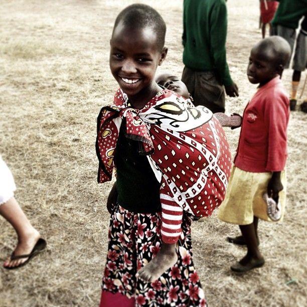 Shawn Desman made lots of new friends in this Kenyan community. #shawndesman #travel #metowetrips #kenya
