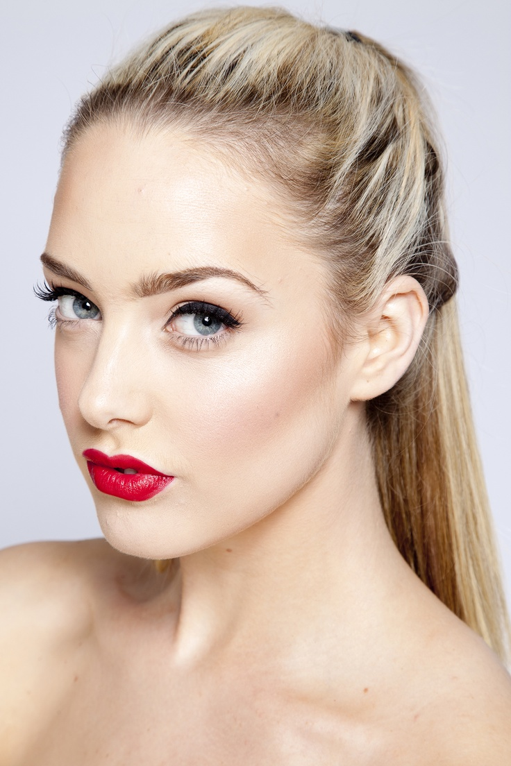 The Perfect Face Wedding Makeup : Wedding Make-Up: How to Perfect it Red lips, Wedding and ...