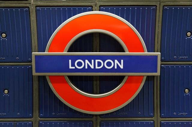 Get your London-Domain before someone else gets it! http://www.domainregistry.de/london-domain.html (English) http://www.domainregistry.de/london-domains.html (German)