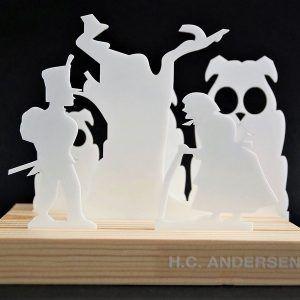 fyrtoejet-HC-Andersen-ryborg-urban-design-fyrretrae-jul-bolig-indretning-denmark-dekoration-souvenir-akryl-dab-boern-gave-bornevarelse-moderne-nordisk-historie-kultur-eventyr