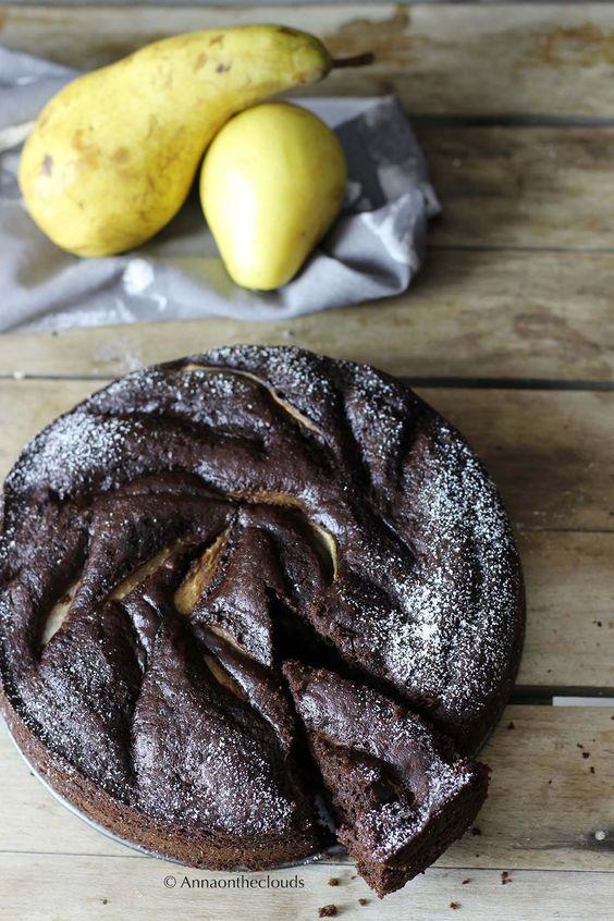 Torta soffice pere e cioccolato (senza latte e burro) | Anna On The Clouds
