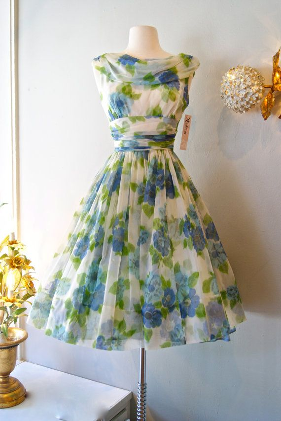 50s Dress // Vintage 1950s Chiffon Garden Party Dress S | My mom Gardens and I love