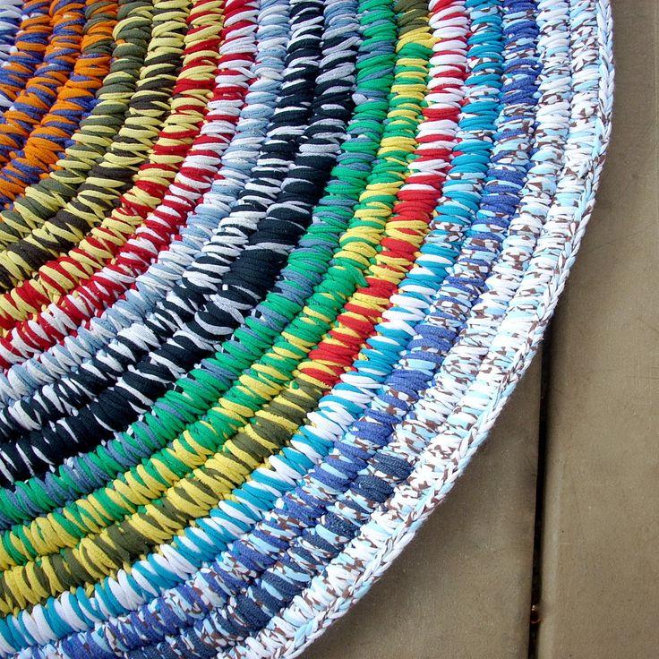 Coiled,T-shirt Yarn Rug | por bca_bethmo