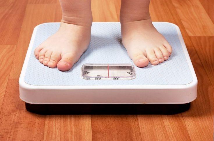 L'obesità infantile: è la dieta permessα ai bambini e quando?