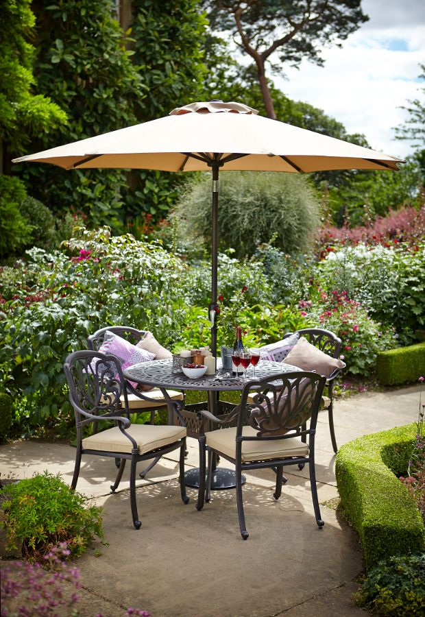 This spacious four seat set is ideal for dining al fresco style with family and friends. Designed with the user in mind, the chairs offer immense comfort, and the whole set is made of cast aluminium, making it lightweight, strong and virtually maintenance free. It can even be left outside all year round, without risk of rusting or weathering.