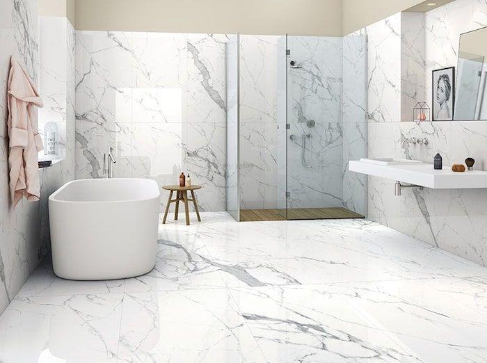 1001 Idees Pour Amenager Une Salle De Bain En Marbre Blanc En 2020 Salle De Bains Marbre Blanc Decoration Petite Salle De Bain Salle De Bain En Marbre