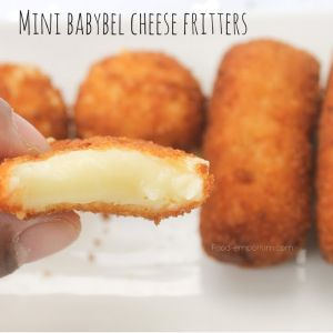 Crispy babybel cheese fritters. The quickest way to make a cheese croquettes for birthday parties or a football game. See our recipe online. #Babybel #babybelcheesecroquette #croquette #Cheese #Frenchcheese #Cheesefritters #Fritters #partyfood #Fingerfood #snack #Thuisafgehaald #Kaaskroket #Kroket #Croqueta #Croquetta #Crispy #vegetariansnack #vegetarian #tapas #Lastapas #Food