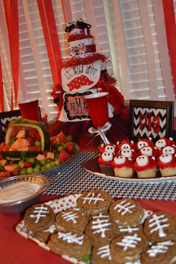 Adorable Razorback baby shower by @milkstamps