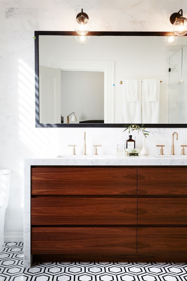 Style by the Decades: How to Decorate Your Bathroom at Every Age via @MyDomaine