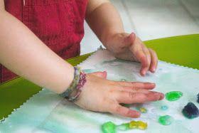 Prune & Violette: Peindre avec des glaçons