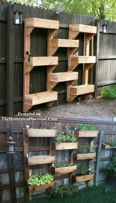 Jardinières verticales en quinconce