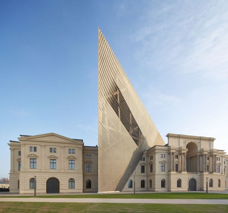 Military history museum photo hufton crow photography for Daniel libeskind architectural style