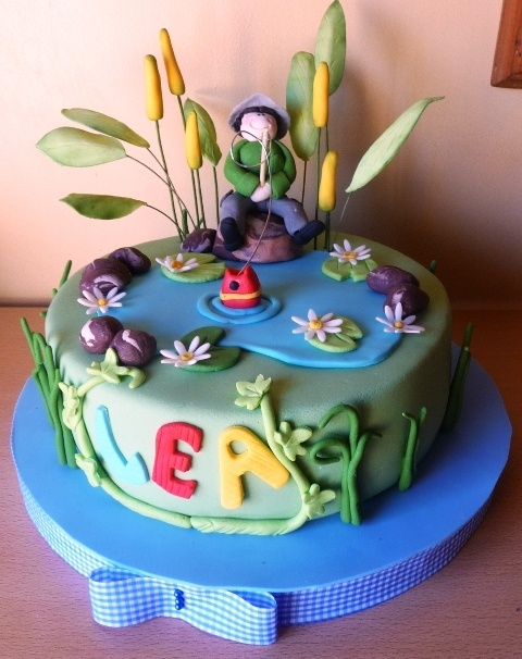 The 75 best images about fishing cakes on pinterest gone for Fishing cake ideas
