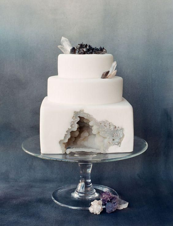 A wedding cake designed to look like a geode = OMG.