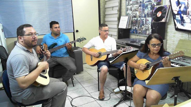 Another brick in the wall - Pink Floyd - Bandolim - Cavaquinho - Bass