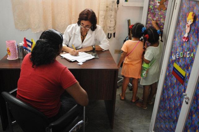 Se desploma el prestigio de los médicos cubanos | Adriboschs Blog