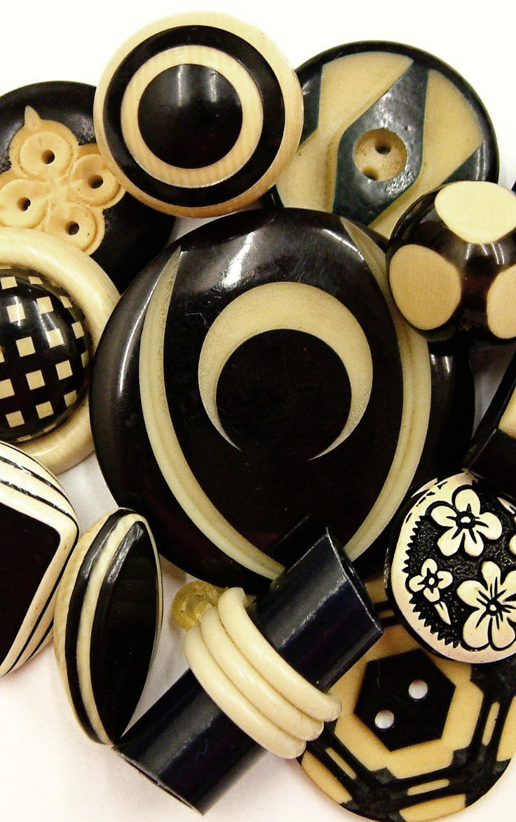 Art Deco Black & Cream Celluloid Buttons