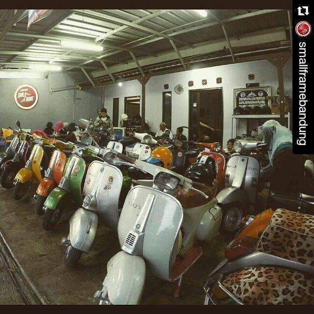 kapan ke bandung lagi ? #Repost @smallframebandung with @repostapp ahiww hess . . . . . . . . . #vespa #vespaclassic #vespasmallframe #smallframe #smallframeid #smallframebandung #vespagram #bandung #indonesia by thekliwon