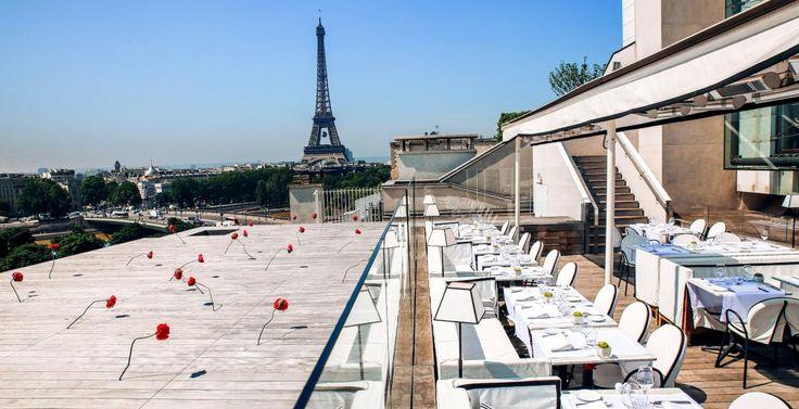 La plus belle terrasse extérieure de la capitale est située sur le rooftop du théâtre des Champs-Elysées. © DR