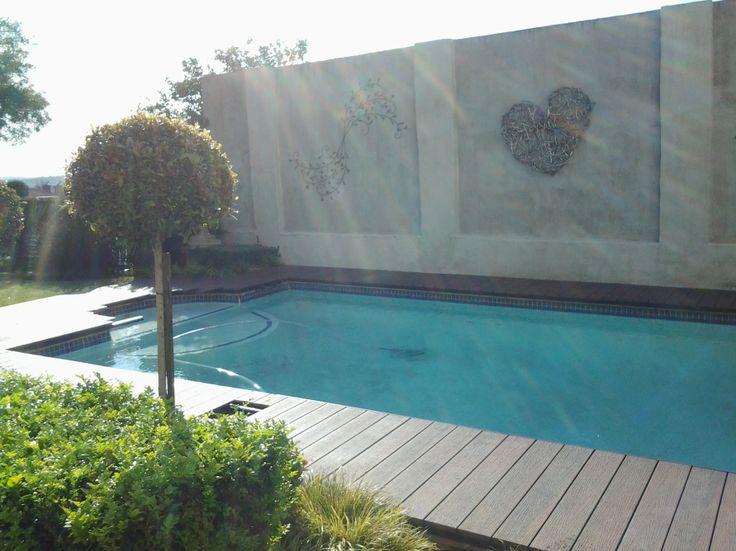 Infinity deck around pool. http://www.eva-tech.com/en/