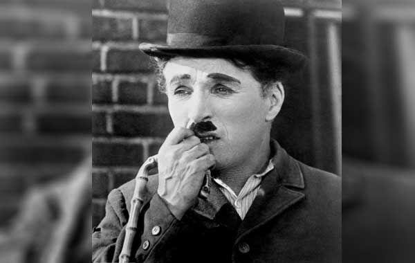 Sinema Tarihinin Unlu Komedyeni Charlie Chaplin Bir Roportajinda