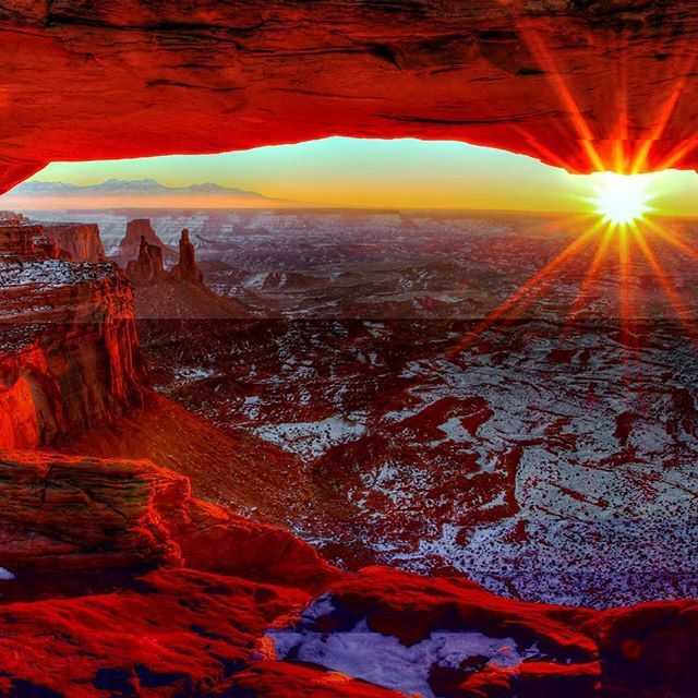 Happy New Year! Just like this gorgeous sunrise at #Canyonlands #NationalPark in #Utah, we hope your new year is filled with beauty and adventure. Photo @canyonlandsnps by Greg Sager (www.sharetheexperience.org). #findyourpark #usinterior #happynewyear