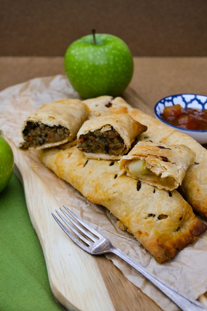Forgotten Bake: Veggie Haggis & Apple Bedfordshire Clangers