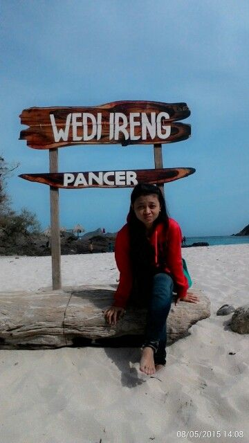 Wedi Ireng Beach di Banyuwangi, Jawa Timur
