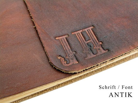 Monogramm Prägung  Wir prägen Ihr Monogramm in Leder  von Lederbuch