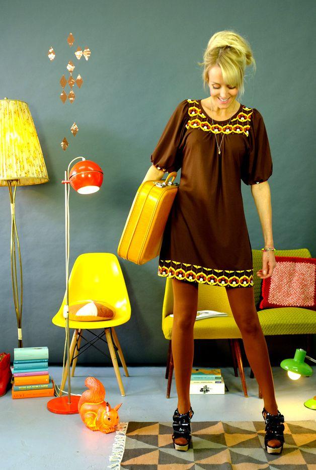ber ideen zu knielange kleider auf pinterest. Black Bedroom Furniture Sets. Home Design Ideas