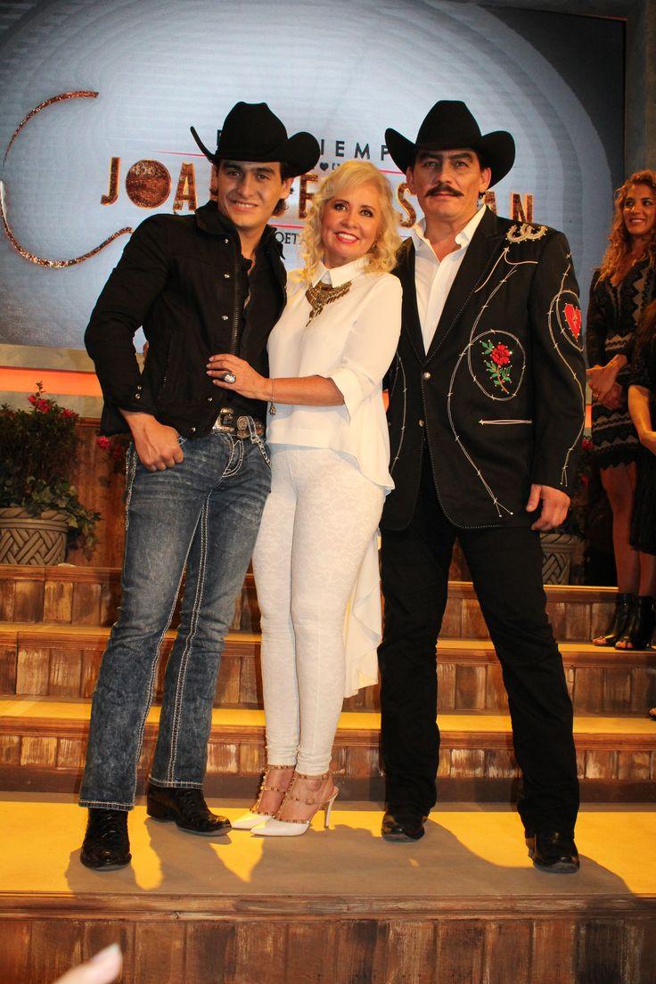 """TELEVISA presenta serie basada en la vida de uno de los grandes cantautores mexicanos, marcando el regreso de una de las grandes productoras de melodramas, Carla Estrada presenta: """"Por siempre Joan Sebastian, el poeta del pueblo""""."""