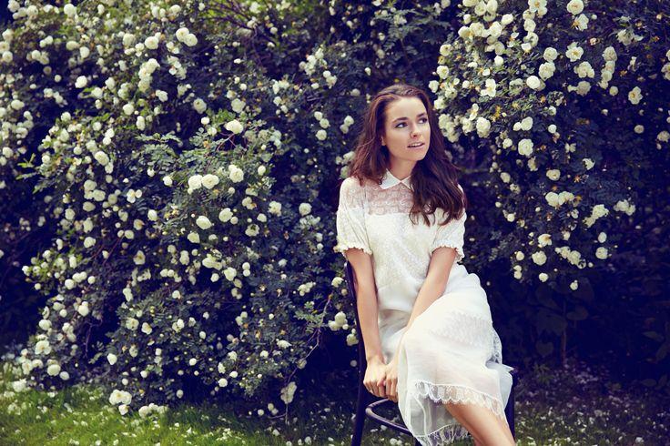 Романтичный образ с платьем Rochas примерила на себя Ирена Понарошку во время съемки для TOPBRANDS. #topbrands #rochas #иренапонарошку