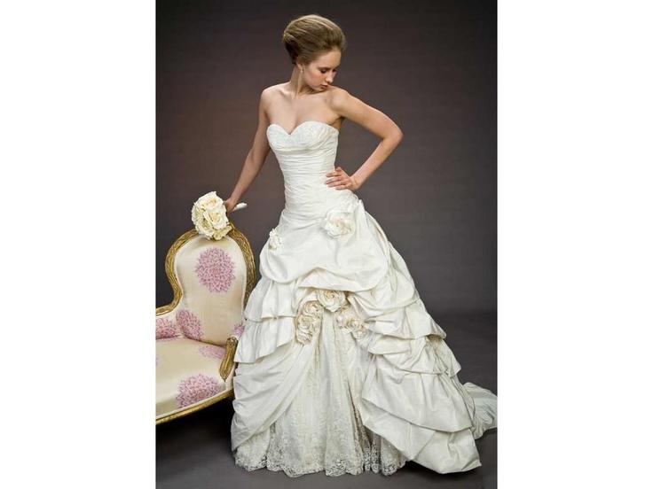 95 best dresses images on Pinterest | Disney hochzeitskleider ...
