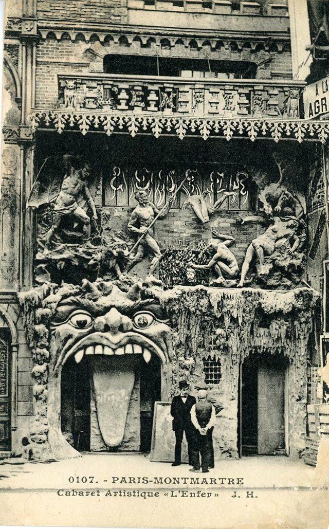 """Странности прекрасной эпохи - безумные кабаре Парижа в 1890 году """"Кабаре-дю-N EANT"""": Это предшественники готических ночных клубов, здесь посетители задумывались о собственной смертности, они сидели на стульях, которые были как надгробия, отдыхали на столах, построенных в форме гробов и пили напитки, которые были даны наводящий имена заболеваний. Обслуживающий персонал одет в средневековые монашеские рясы и «могильщики» всегда были готовы поделиться тем или иным куском жуткой поэзии."""